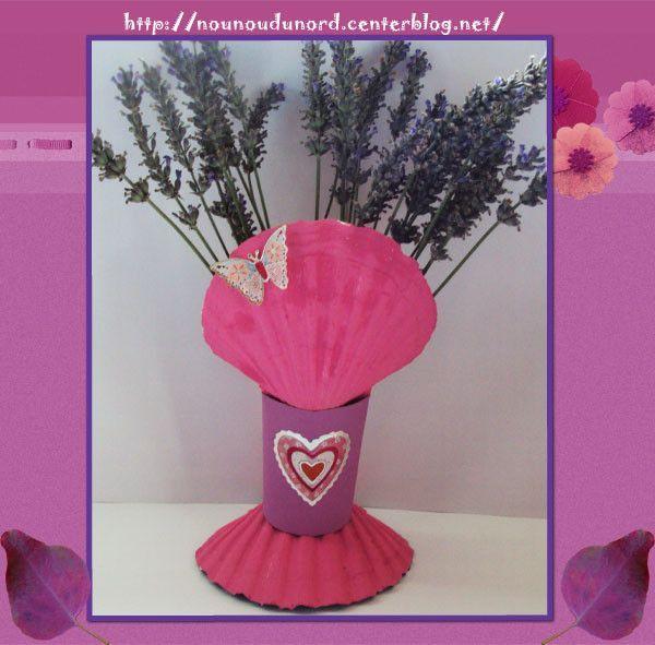 Vase pour la lavande avec des coquilles Saint Jacques