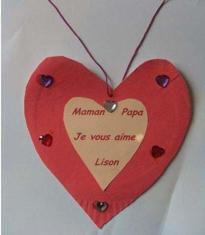Lison a peint un coeur pour sa maman et son papa