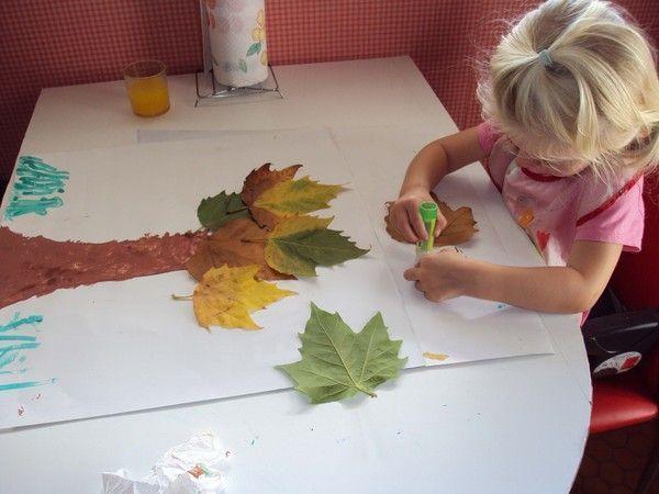 collage de feuilles d'automne pour Lison*Année 2009*