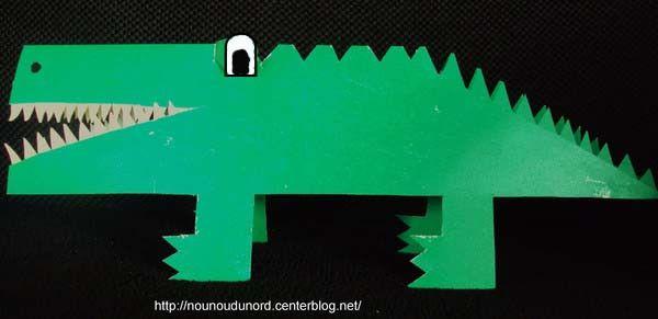 crocodile en pliage papier 2010. Black Bedroom Furniture Sets. Home Design Ideas