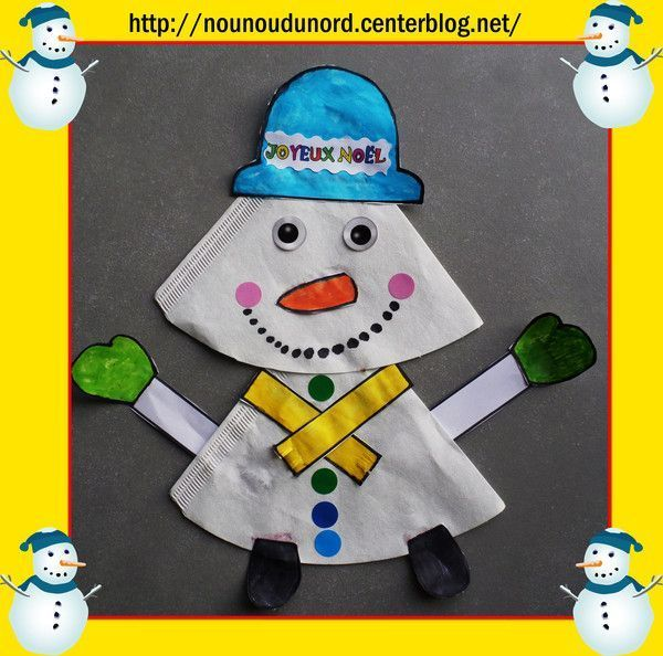 Joli bonhomme de neige réalisé avec des filtres à café